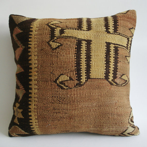 Sukan / Hand Woven Vintage Turkish Kilim Pillow Cover by sukan