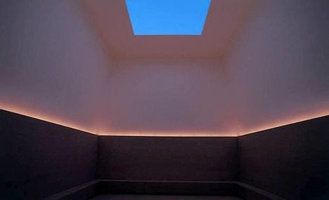 Google 画像検索結果: http://cache.virtualtourist.com/15/3661785-Art_by_James_Turrell_called_Open_Sky_Nao_shima.jpg
