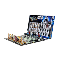 Amazon.co.jp: スターウォーズチェスセットStar Wars Chess Set / Chess Game Board with Star Wars Figurines Chess Pieces 【並行輸入品】: ホビー