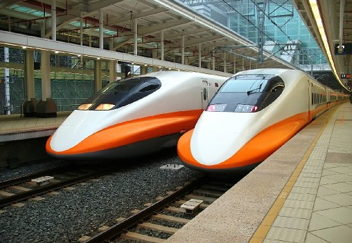 THSR_700T_Modern_High_Speed_Train.jpg 508×352 ピクセル