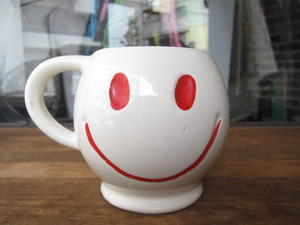 70's Smile Face Mug & Cup!! : NEWAIR used & vintage clothing
