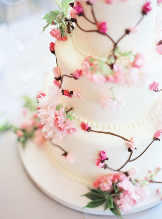 It's too pretty to eat! / Style Me Pretty - The Ultimate Wedding Blog