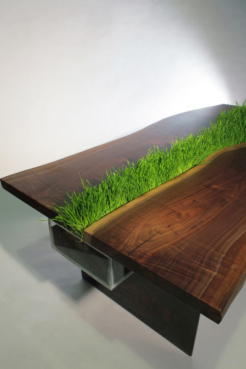 Google 画像検索結果: http://4.design-milk.com/images/2010/12/wettstein-planter-table-2.jpg