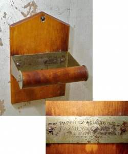 """Kitchen&Bathroom - 1900-10's """"Rustic"""" Wooden Country Toilet Paper Holder - FUNNY SUPPLY □ Antiques ■"""