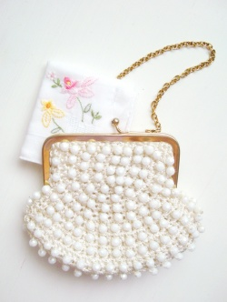 """Accessories - 1970-80's """"FRENCH BEADS"""" Gold Chain Little bag(お花刺繍のハンカチ付き) - Little ♥ Hideaway 〜ヴィンテージから現代まで〜 Candy Hearts♡USA & UK 輸入雑貨"""
