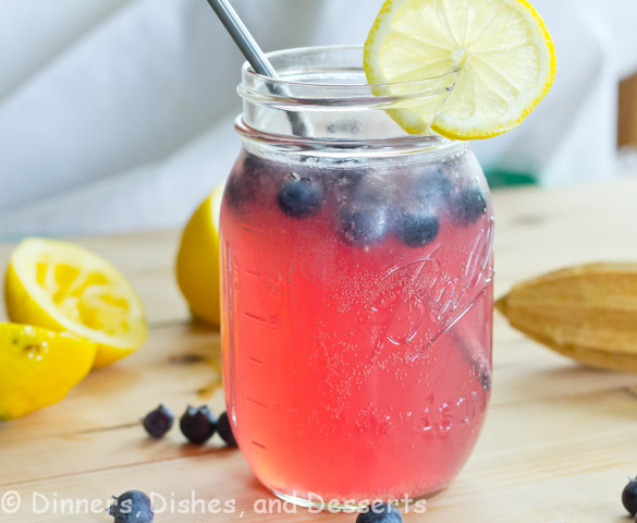 Sparkling Blueberry Lemonade | Dinners, Dishes, and Desserts