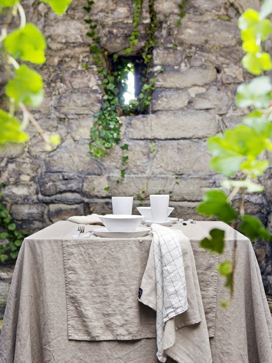 outdoor tablescape | Life Style | Pinterest