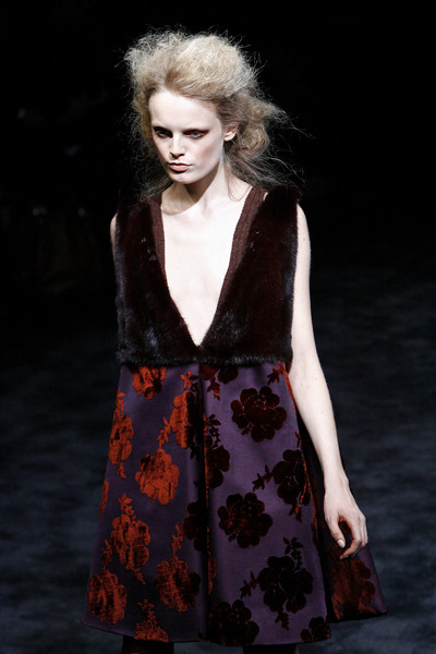 Prada Fall 2009 RTW - Runway Photos - Fashion Week - Runway, Fashion Shows and Collections - Vogue