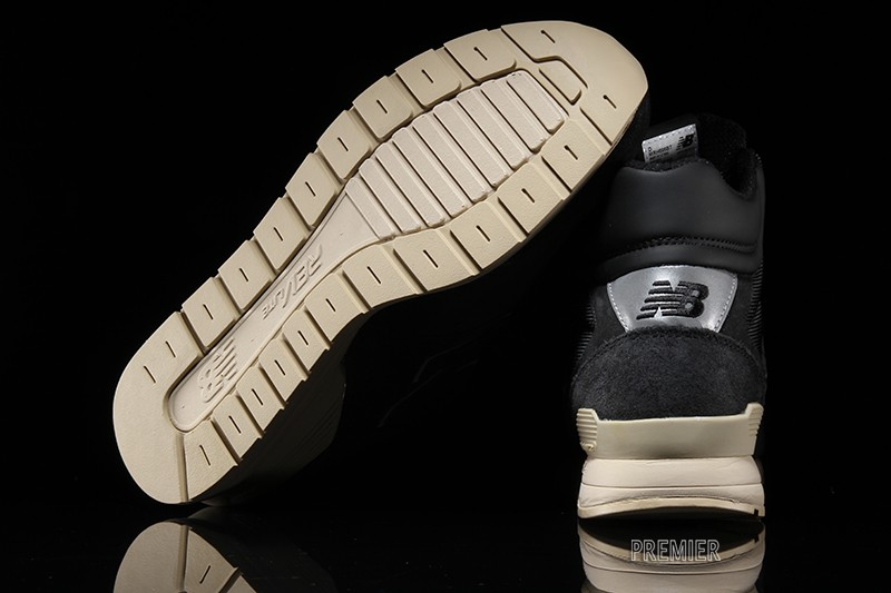 New Balance 696 (Outdoor) Footwear at Premier