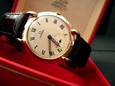 1947 Gents Solid 14ct Gold Sub-Sec Vintage Omega – SOLD | Sonning Vintage Watches
