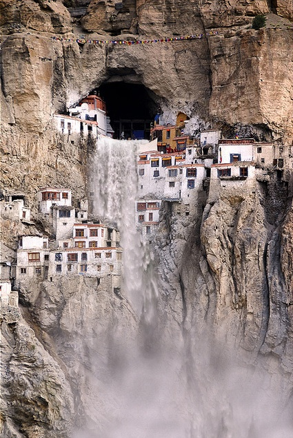 10 Spectacular Places Which Will Get You Out of an Ordinary Life   Your Amazing Places