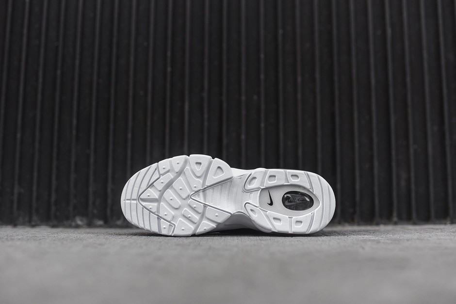 Nike Air Trainer Max 94 Low - Black / White – Kith NYC