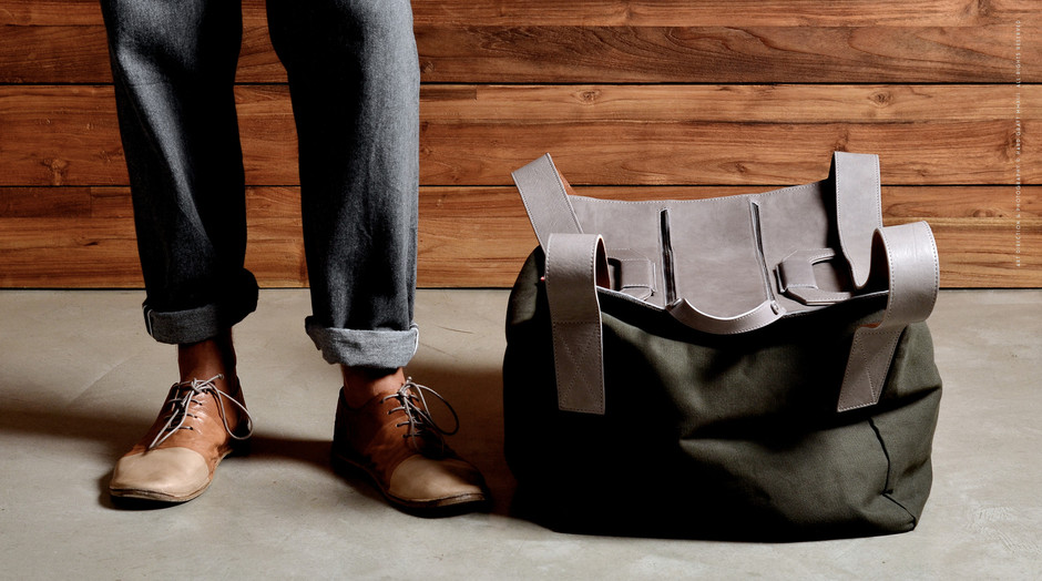 Square1 - Leather and Canvas Holdall Travel Bag | Hard Graft