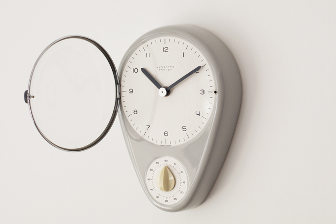 Junghans Kitchen clock by Max Bill.   Build up!