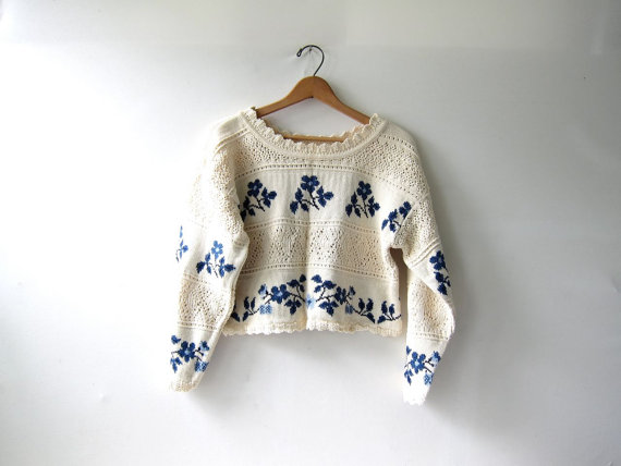 20 OFF SALE...vintage cropped sweater. by dirtybirdiesvintage