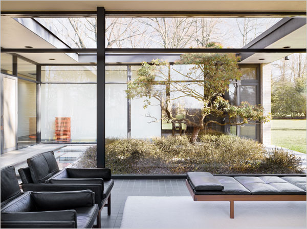 Open House, Inside and Out - The New York Times > Magazine > Slide Show > Slide 1 of 9