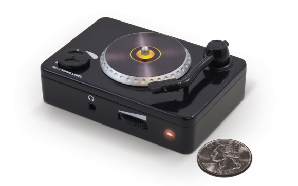 VINYL FOREVER - Turntable-to-Computer Interface - ION Audio