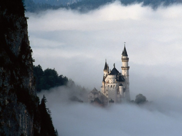 Neuschwanstein Castle, Germany | Beautiful Places to Visit
