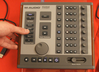 M-Audio @ Digital Experience - showin' off the iControl -- Engadget