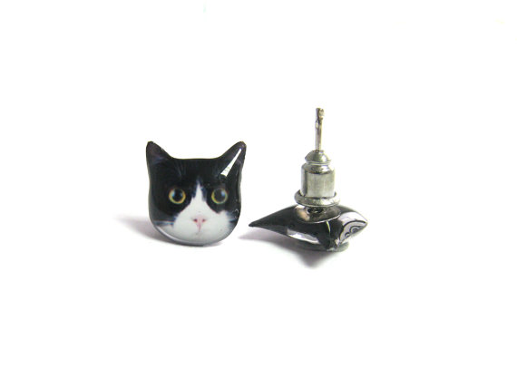 Cute Black and White Round Eyes Cat Kitten Stud by fazjewelry