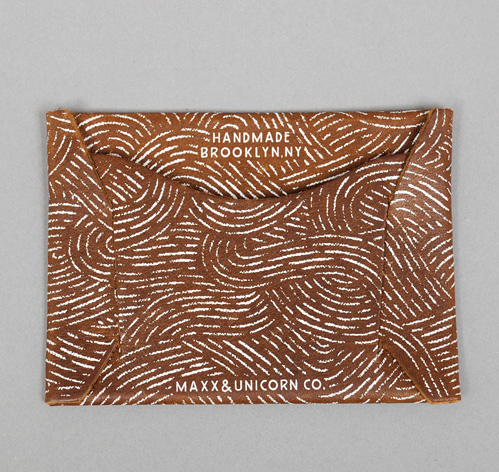 """TH-S & CO. BROWN LEATHER CARD HOLDER, """"OCEAN"""" PRINT :: HICKOREE'S"""