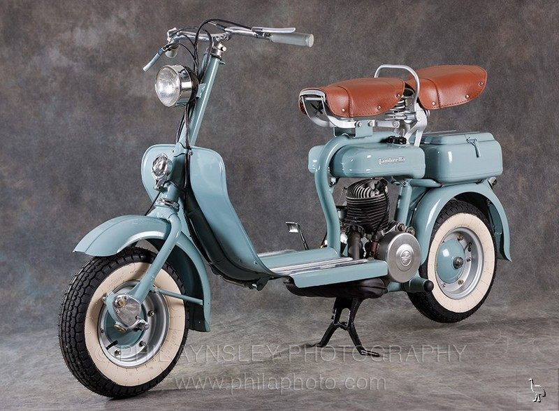 Lambretta 125D left side