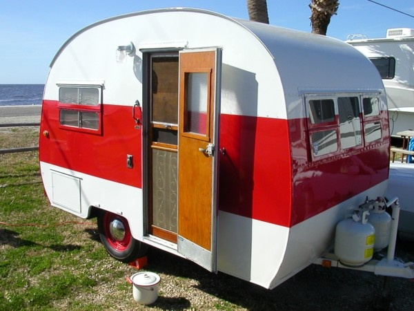 I really want one of these little campers   camper and camping