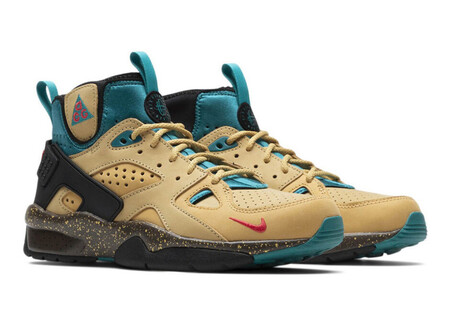 Air Mowabb - Twine/Fusion Red/Club Gold/Teal Charge