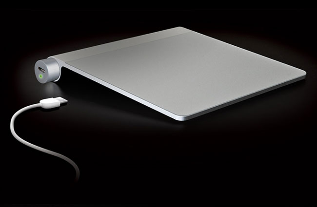 Mobee Magic Feet And Power Bar, Keep Your Apple Input Devices Juiced Up   Geeky Gadgets