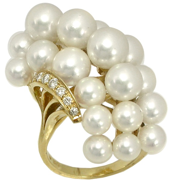 Girls in Pearls / Mikimoto Pearl Diamond Cluster Ring