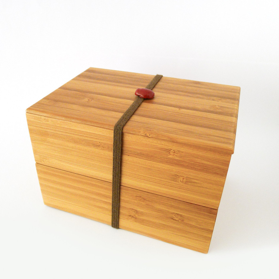 Baum-Kuchen - Bamboo Bento Box is a contemporary stack-able lunch box handmade in Kyoto.