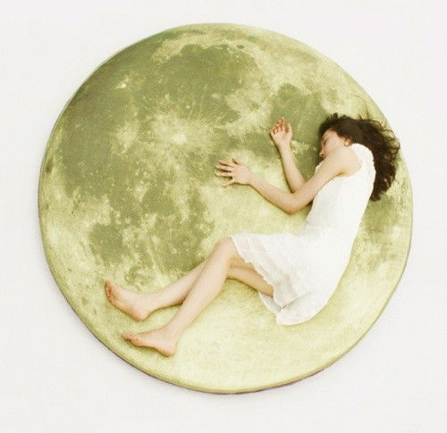 i3lab: full moon odyssey floor-mattress & pillow