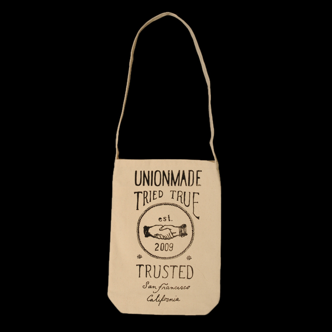 UNIONMADE GOODS - UNIONMADE - Hand Drawn Seal Messenger Tote in Natural
