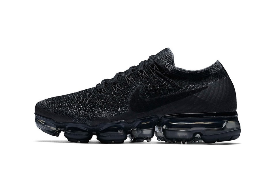 NIKE AIR VAPORMAX Triple Black - Google 検索