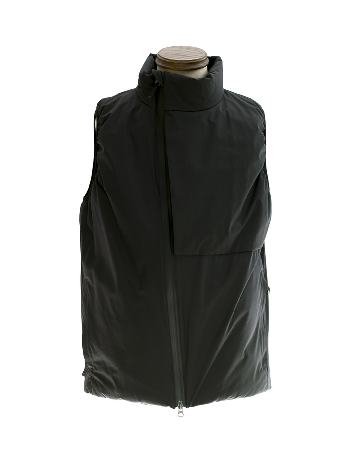 POUTNIK SHIELD Vest The Urban Traveler by Tilak.