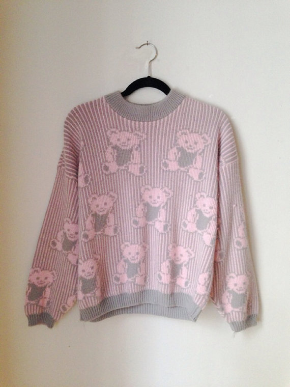 Pastel Grunge Bear Sweater Size Small 1990s by weallneedvintage