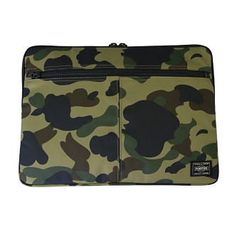 PORTER×A BATHING APE 13インチ MacBook Air スリーブ (GR CAMO) - Apple Store (Japan)