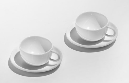 set-of-two-mocha-cups-with-saucers.jpg (JPEG 画像, 450x292 px)