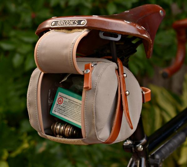 BROOKS ENGLAND LTD. | CYCLE+BAGS+&+ACCOUTREMENTS | ISLE+OF+WIGHT+SADDLE+BAG+S