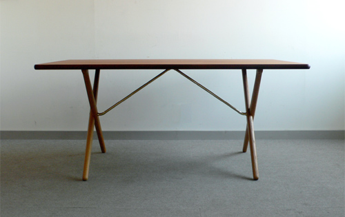 ハンスウェグナー Hans J. Wegner AT-303 X-Leg Table/009T191