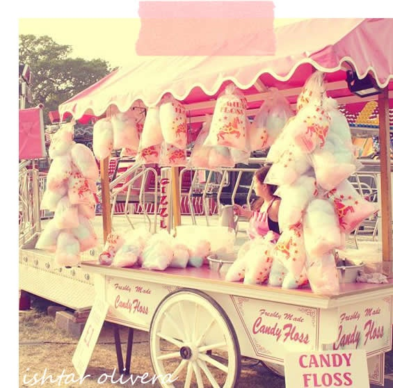 Carousel Party Ideas / Pink cotton candy cart
