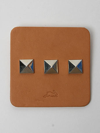 Bunney Silver Pyramid Stud Set in stirling silver at oki-ni