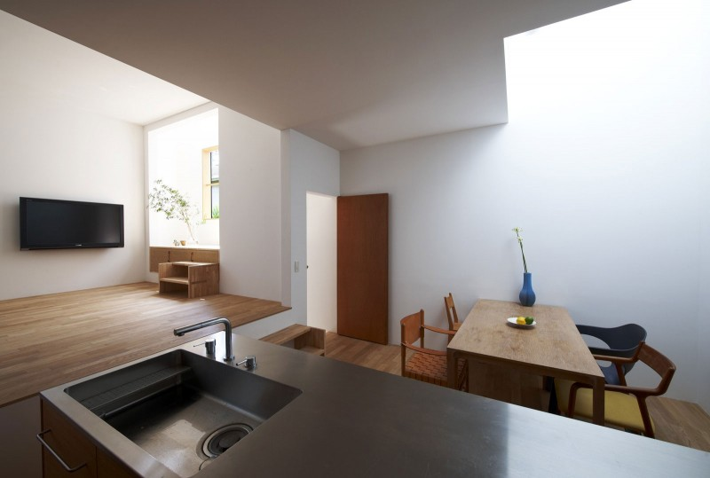 House in Futakoshinchi by Tato Architects | HomeDSGN, a daily source for inspiration and fresh ideas on interior design and home decoration.