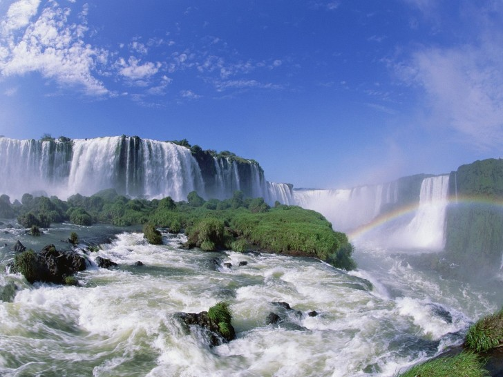 Iguazu Falls, Argentina and Brazil | Beautiful Places to Visit