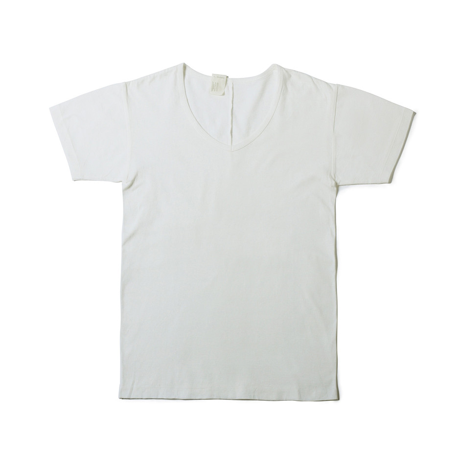 40 pieces : V NECK SHORT SLEEVE (WHITE) : MISTER HOLLYWOOD OFFICIAL ONLINE STORE