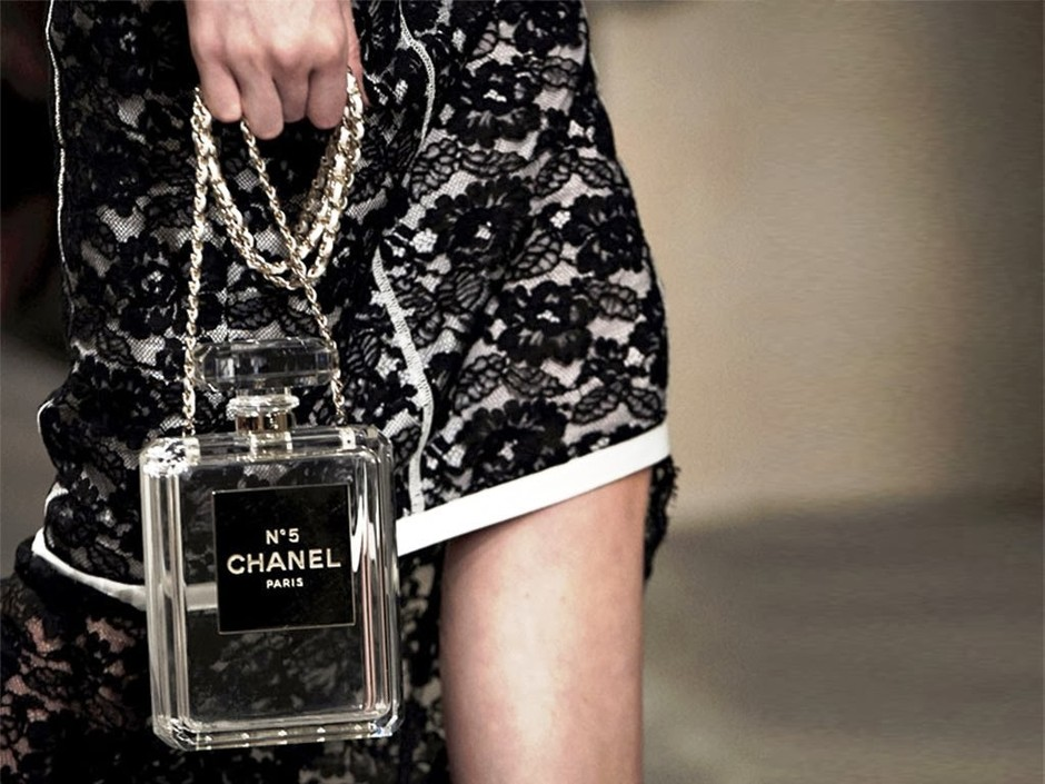 Need It Now: Chanel No.5 Perfume Bottle Clutch - Vogue Daily - Fashion and Beauty News and Features
