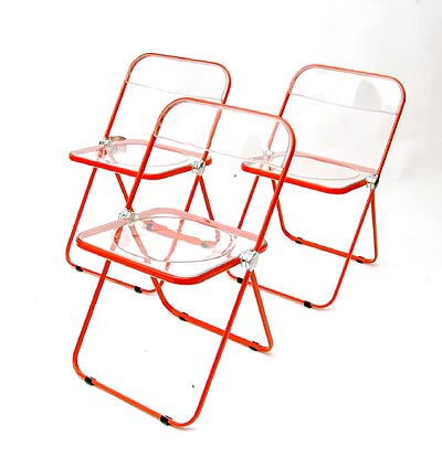 Botterweg Auctions Amsterdam > Folding-chairs 'Plia' (3x), red lackered metal frame, with transparant plastic seat and back, design Giancarlo Piretti 1969, executed by Castelli / Italy ca.1985