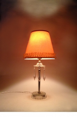 """1940's """"GLASS"""" Table Lamp w/Cut Glass Hanging Prisms - FUNNY SUPPLY"""