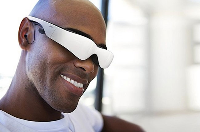 Carl Zeiss Cinemizer 3D OLED Head Mounted Display Finally Starts Shipping | Geeky Gadgets