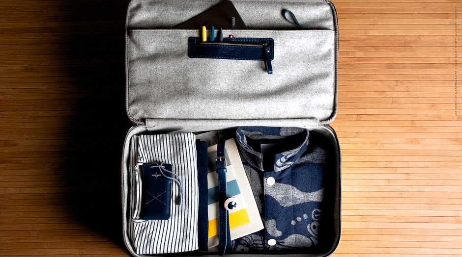 Carry On Suitcase / Ocean | hard graft